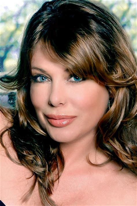 Poze Kelly LeBrock - Actor - Poza 38 din 57 - CineMagia