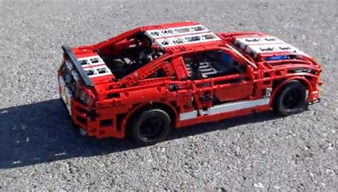 Shelby GT500 facut din piese Lego o3XF5gG2sQN