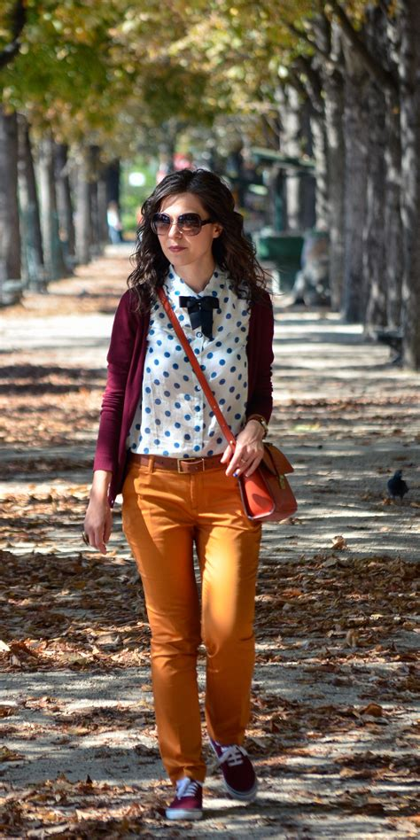 Miss Green: Parisian preppy fall outfit